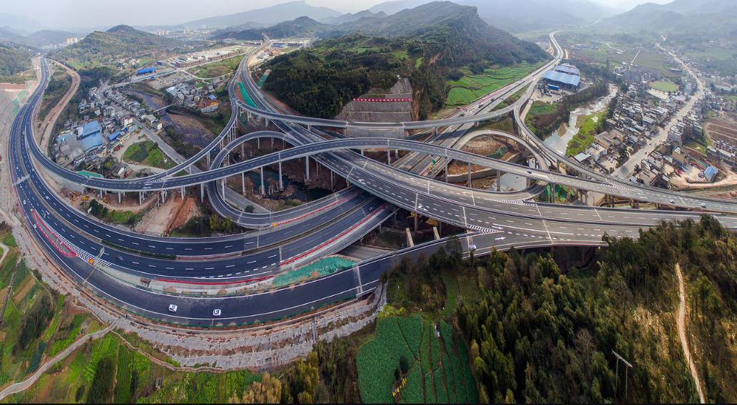 构建对外大通道   畅通市域大网络